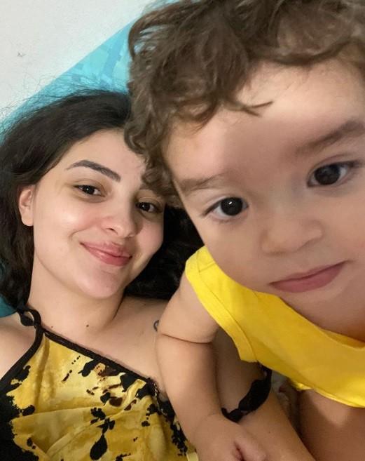 Mabel Calzolari e o filho Nicolas (Foto: Reprodução)