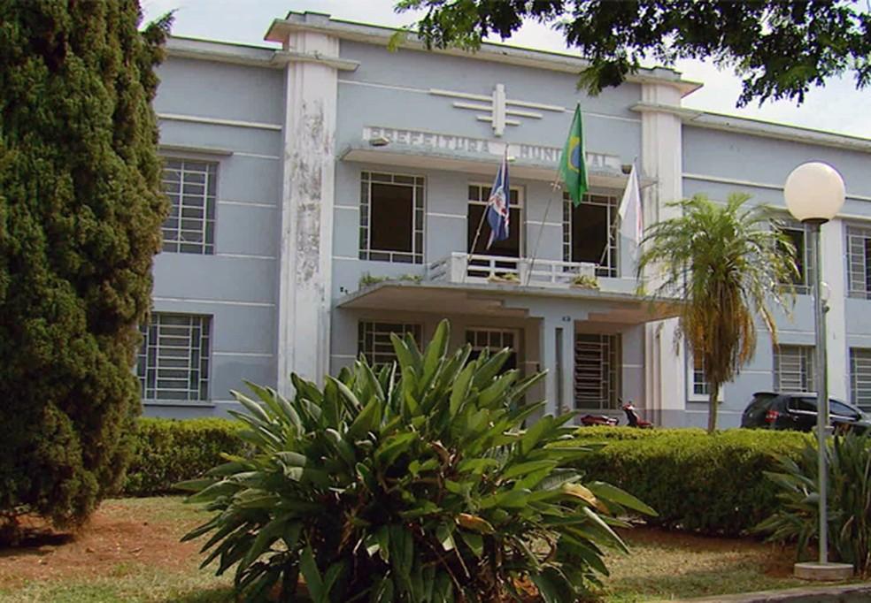 Prefeitura de Alfenas abre vagas para 90 servidores temporários | Sul de Minas | G1