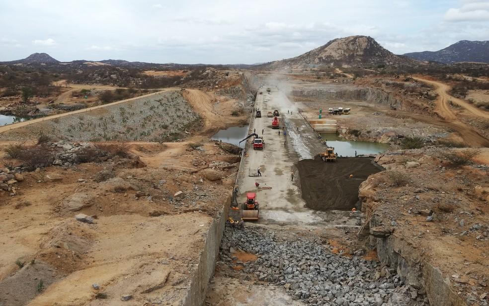 Barragem de Oiticica deve ser entregue em 2019 (Foto: Anderson Barbosa e Fred Carvalho/G1)