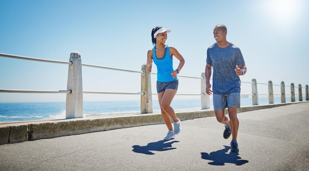 Aterrissando com o médio pé e não o calcanhar é o ideal para suavizar o impatco (Foto: IStock Getty Images)