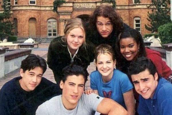 Gabrielle Union com o elenco de 10 Coisas que eu Odeio em você (1999) (Foto: Reprodução / Redes Sociais)
