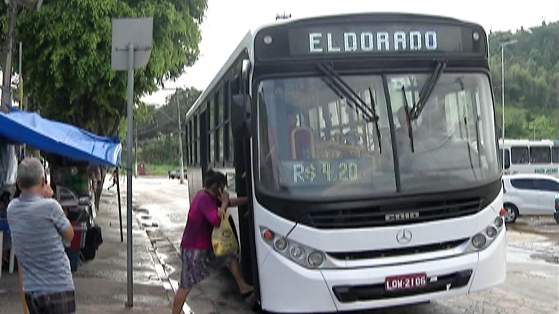 Passageiros de Santa Isabel aprovam mudança de empresa do transporte coletivo - Radio Evangelho Gospel