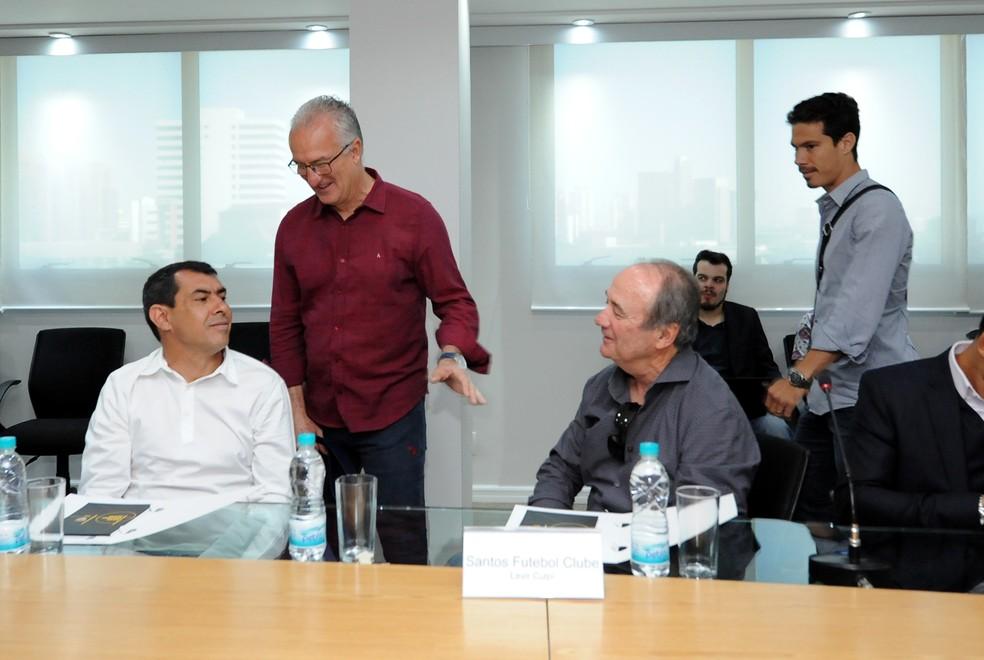 Capitães, técnicos e dirigentes dos clubes 'debatem' o Paulistão