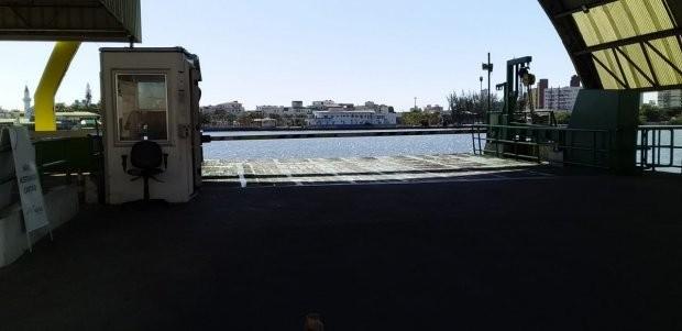 Governo distribui passe livre em ferry boat a trabalhadores de serviços essenciais no Vale do Itajaí; veja como retirar