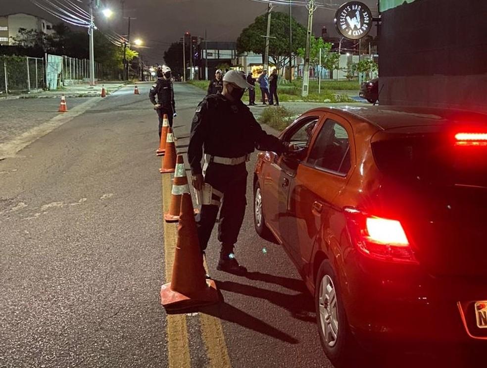 Blitz foi realizada na Zona Sul de Natal na noite de réveillon — Foto: Divulgação/PM