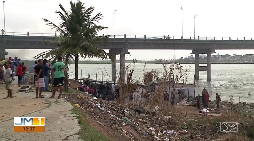 Barracos construídos de forma irregular em São Luís. — Foto: Reprodução/TV Mirante