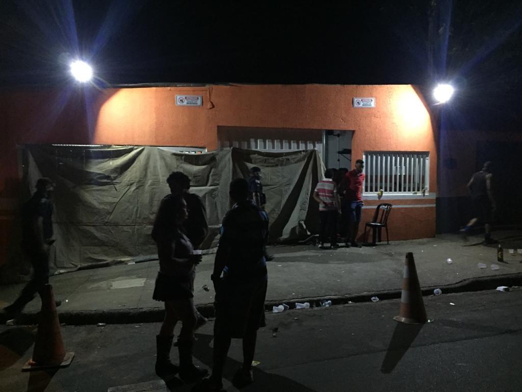 Covid-19: ação em Campinas lacra bar com 60 clientes e coberto por lona para 'disfarçar' abertura