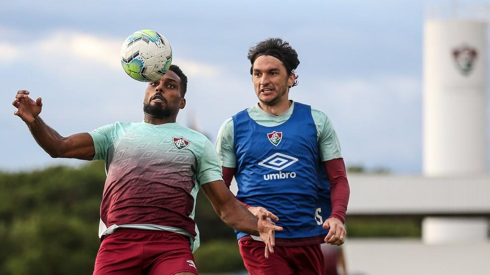 Matheus Ferraz é o único dos três que já jogou com Luccas Claro — Foto: Lucas Merçon / Fluminense FC