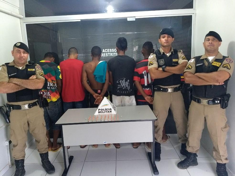 Apreensão aconteceu nessa terça-feira (21), na Rua V, durante patrulhamento com o apoio do serviço de inteligência da PM (Foto: Polícia Militar/Divulgação)