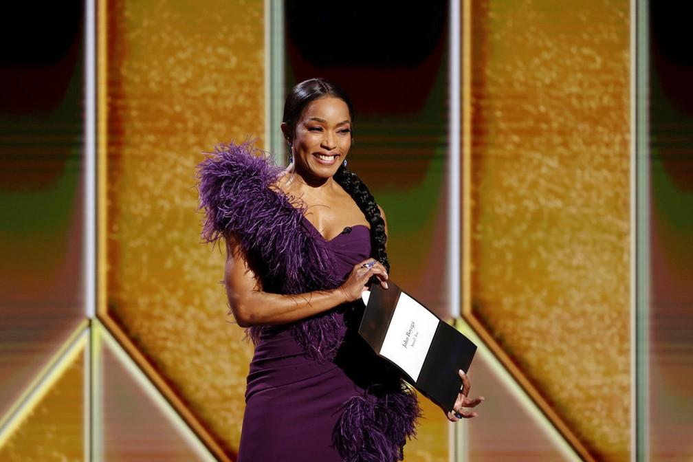 Angela Bassett apresenta categoria no Globo de Ouro 2021 — Foto: Rich PolkNBC Handout via Reuters