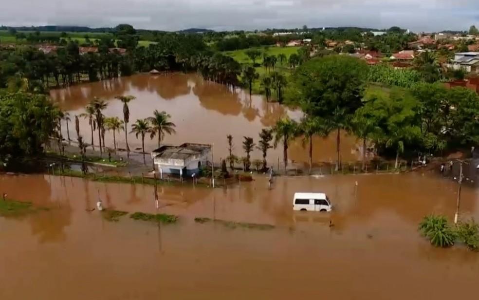 Após temporal, nível da água sobe em rios e lagos de Pontalina, Goiás — Foto: Ernani Ferreira/Arquivo pessoal