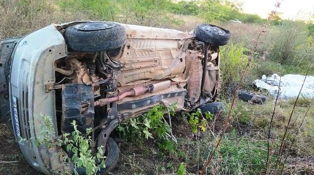 Três pessoas da mesma família morrem após colisão entre carro e trem em linha férrea de Serra Talhada