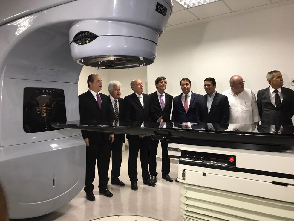 Novo aparelho de radioterapia é entregue para tratar pacientes com câncer em Alagoas (Foto: Michelle Farias/G1)