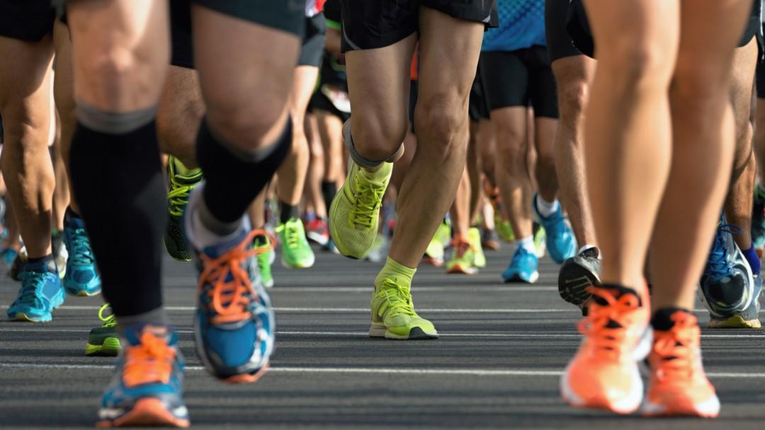 813810b24f4 Tem até cerveja  corredor tem estratégia inusitada para ultramaratona de  217 km
