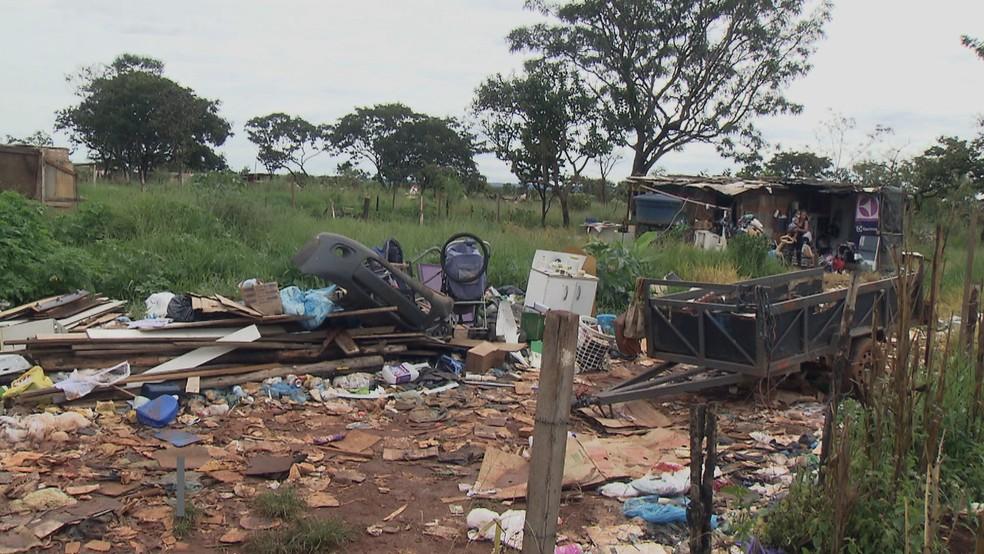 Cosntruções derrubadas no DF — Foto: TV Globo/Reprodução