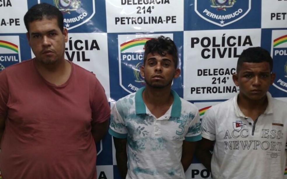 Homens foram presos durante ação em que mais de 17kg de drogas foram apreendidos  (Foto: Divulgação/SSP)