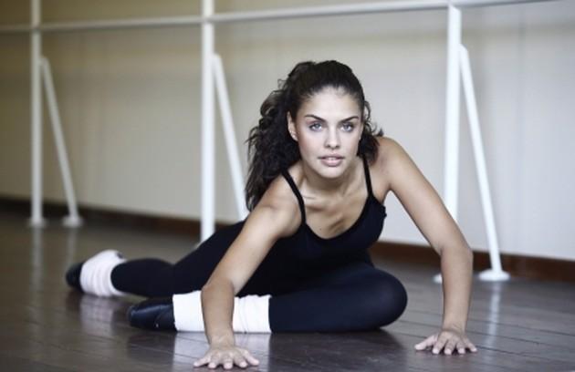 Paloma Bernardi se diz apaixonada pela dança/ Foto: Divulgação (Foto: Paloma Bernardi, a doce Mia de 'Viver a vida' é uma apaixonada pela dança)