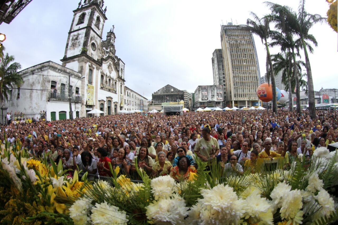 Eventos e festa de Nossa Senhora do Carmo provocam interdições em vias do Recife