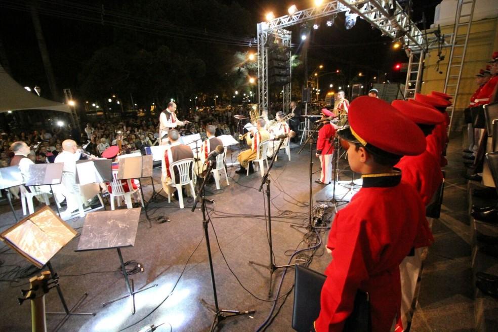 Orquestra Arautos do Evangelho se apresentou durante a Cantata de Natal do TJPE, no Recife (Foto: Marlon Costa/Pernambuco Press)