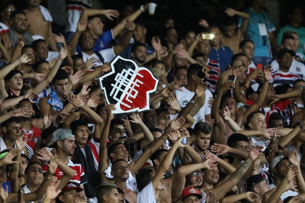 6ebaf6c3b351f Santa Cruz começa venda de ingressos para jogo contra Fluminense no ...