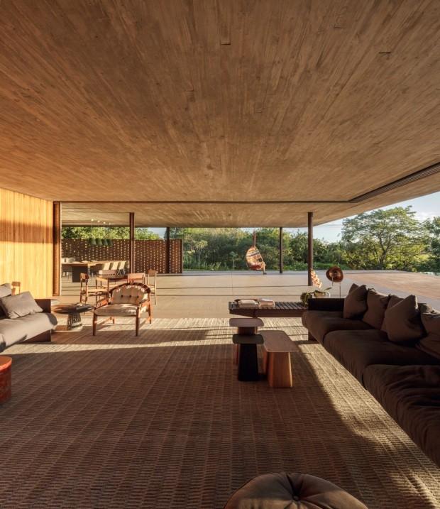 Casa no interior de SP tem teto verde e paredes vazadas (Foto: Fernando Guerra/Divulgação)