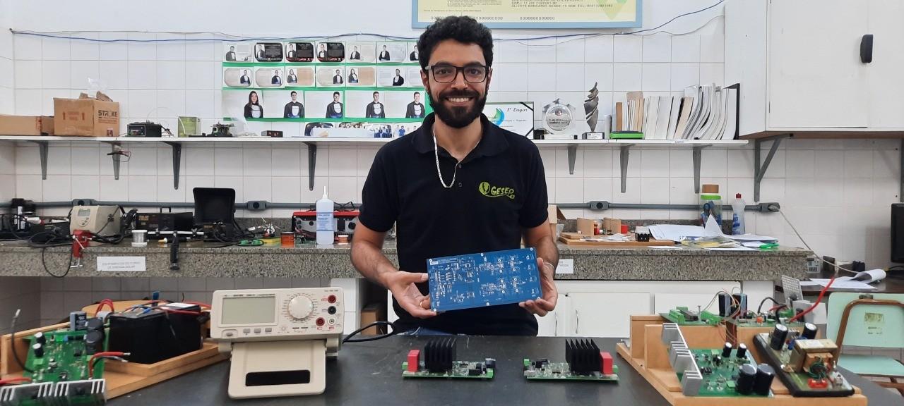 Engenheiro da UFMG recebe prêmio de melhor tese do mundo sobre economia de energia