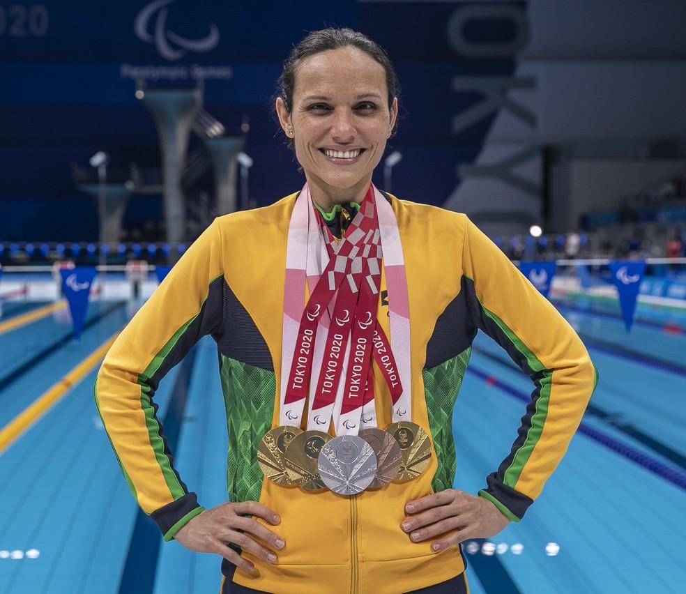 Carol Santiago leva 3º ouro e deixa Tóquio como maior medalhista do Brasil