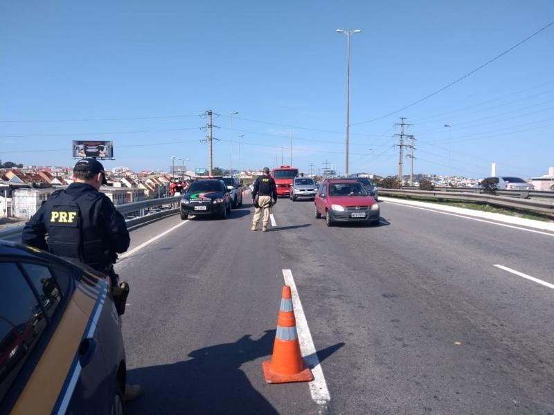Mulher morre ao ser ferida por linha com cerol em moto na BR-282 em São José - Notícias - Plantão Diário