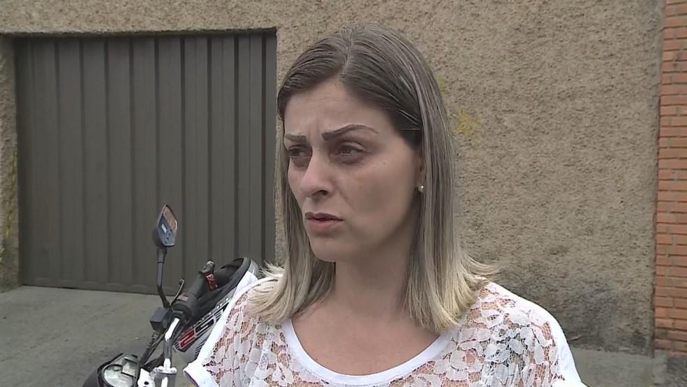 A manicure Luciana Mota estava em um carro estacionado e presenciou a queda e a explosão do avião nesta segunda-feira em BH — Foto: Reprodução/TV Globo