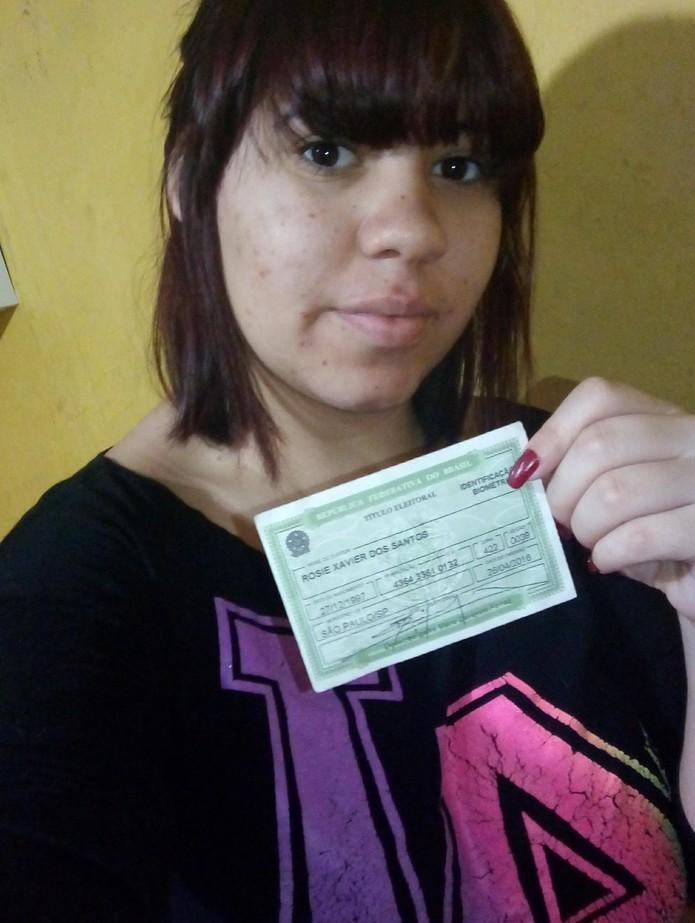 Doente no 1º turno das eleições de 2016, Rosie Xavier foi uma das pessoas multadas por não votar nem justificar ausência (Foto: Arquivo pessoal)