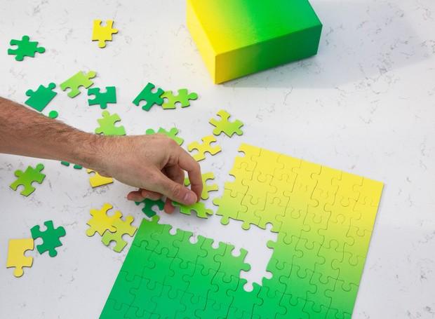 O desafio: como ir do verde ao amarelo em 100 peças  (Foto: Areaware/Reprodução )