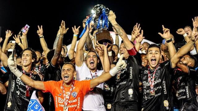 Paysandu comemora o 49º título paraense
