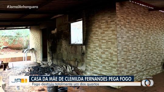 Incêndio destrói parte da casa da mãe das ciclistas olímpicas Clemilda e Janildes Fernandes, em Goiânia