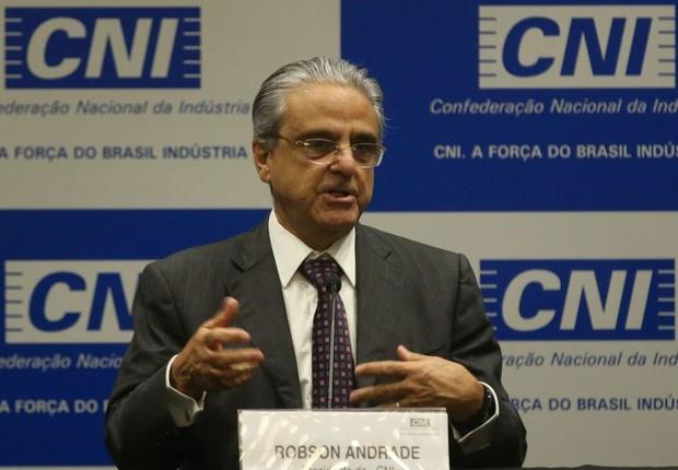 O presidente da Confederação Nacional da Indústria (CNI), Robson Andrade, divulga o balanço do desempenho da indústria e da economia brasileira (Foto: Antônio Cruz/Agência Brasil)