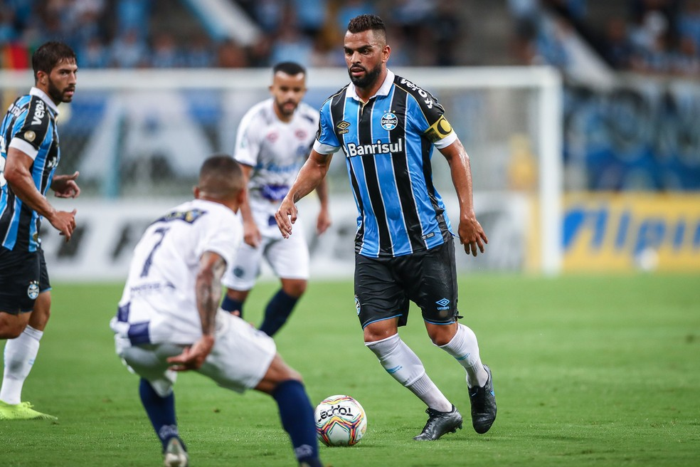 Maicon completa 200 jogos contra o Caxias — Foto: Lucas Uebel/DVG/Grêmio