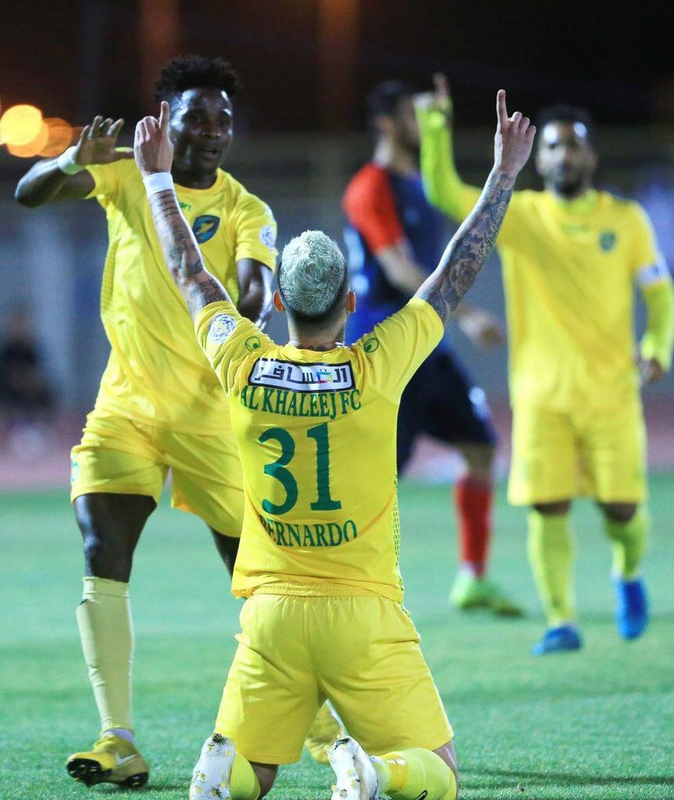Bernardo comemora gol pelo Al Khaleej  — Foto: Arquivo Pessoal/Bernardo