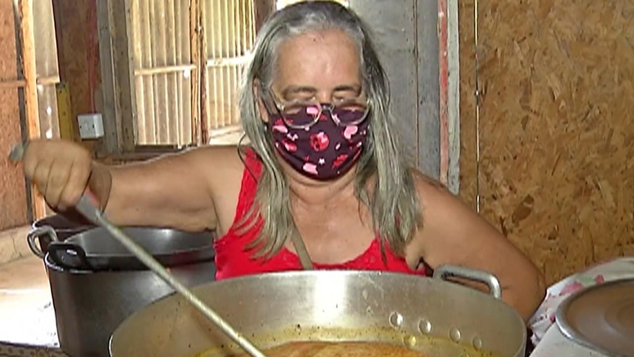 Com preço alto, famílias de baixa renda tentam substituir arroz e feijão