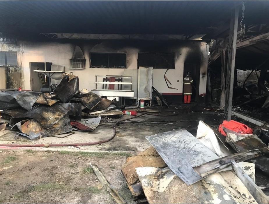 Incêndio deixa 10 mortos no Ninho do Urubu