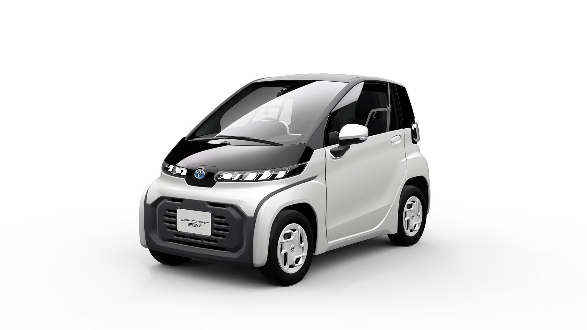 Toyota revela minicarro elétrico menor que moto e que leva apenas 2 pessoas