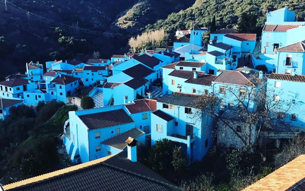 Vila espanhola de Júzcar se tornou a 'cidade dos Smurfs' em 2011 (Foto: Reprodução/Instagram/patucospatukitos)