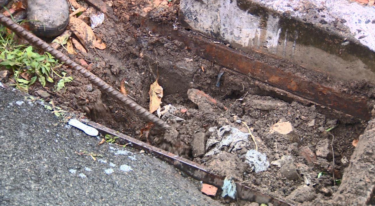 Campinas retira 30 toneladas de lixo por semana em bocas de lobo, diz Prefeitura