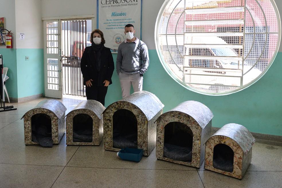 Animais que passarem a noite no abrigo em Limeira receberão ração e roupas para se proteger do frio — Foto: Divulgação/ Prefeitura de Limeira
