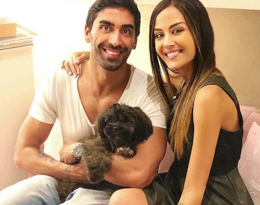 Magnini estava na praia com sua namorada, Giorgia Palmas, que é modelo, atriz de TV e estrela de reality show.  — Foto: Reprodução/Instagram
