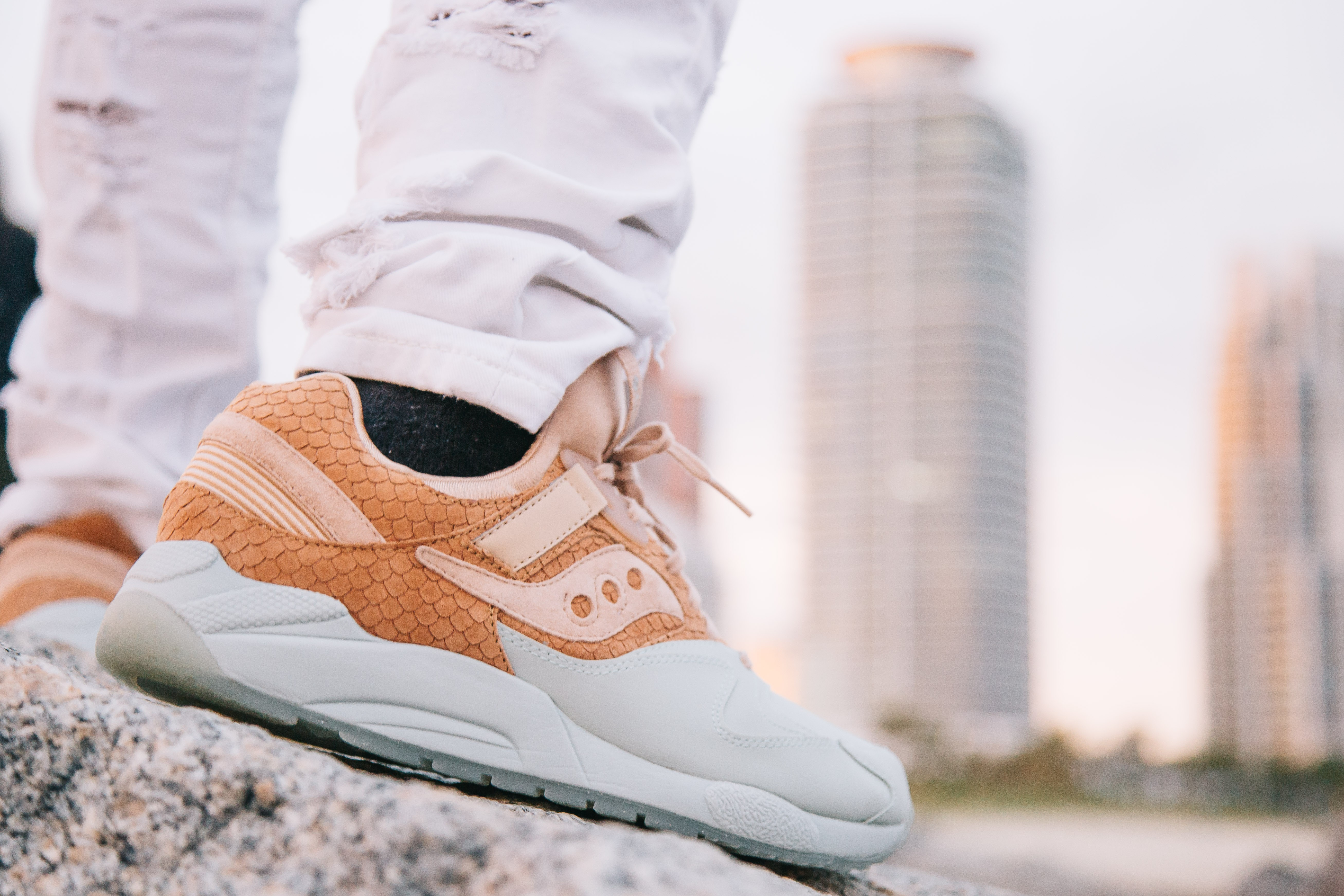 """O Saucony GRID 9000 """"Sherbet"""" é um bom exemplo de sneaker que seu pai vai curtir (Foto: Divulgação)"""