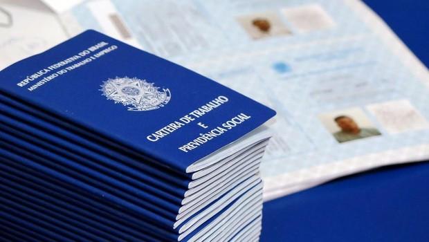 Carteira de trabalho ; CLT ; reforma trabalhista ; lei trabalhista ; emprego formal ;  (Foto: Setas)