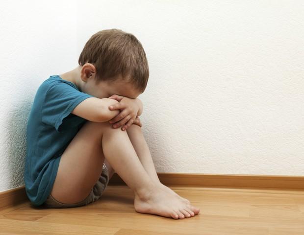 criança; triste; castigo; tristeza (Foto: Thinkstock)
