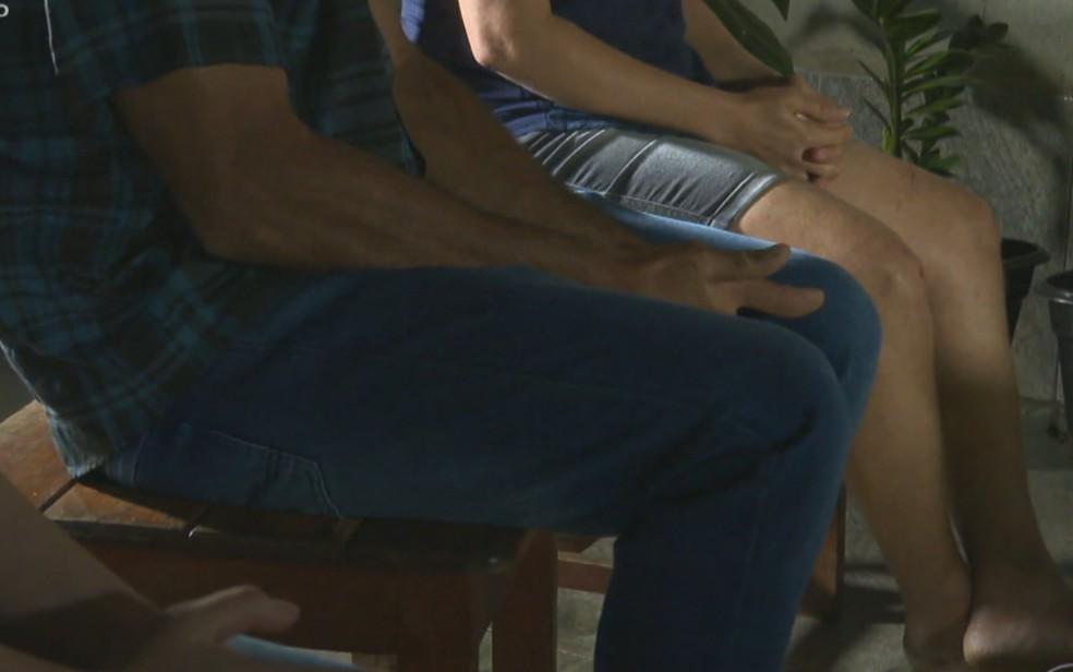 Família feita refém revela que Lázaro exigiu que andassem em córrego para não deixar rastros — Foto: Reprodução/TV Globo