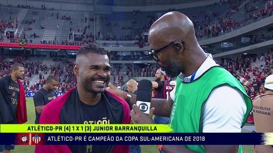 """Nikão desabafa após título do Atlético e revela luta contra alcoolismo: """"Me libertei disso"""""""
