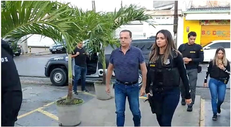 Prefeito de Camaragibe, Demóstenes Meira, é preso nesta quinta-feira (20) — Foto: Reprodução/WhatsApp