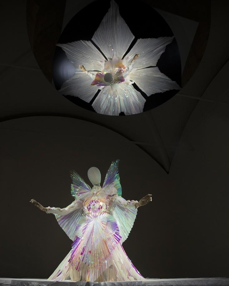 Gucci Garden e Björk (Foto: Reprodução)
